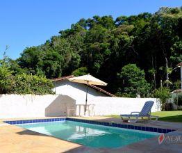 Casa comercial para alugar e comprar em Petrópolis