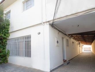 Casa Comercial de 400m² para Alugar